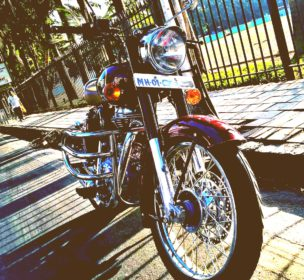 Royal-Enfield-350-Review-Price-Thats-My-Top-10-antique